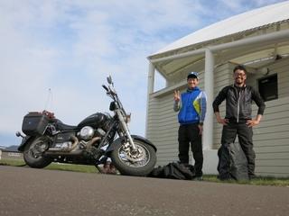 バイクとおじさん.jpeg